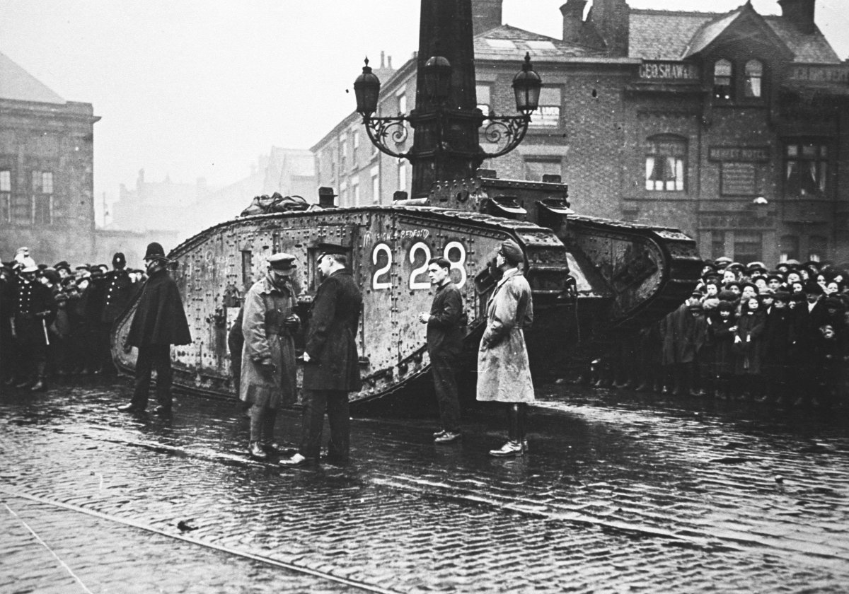 Tank Museum DV7h0CNXUAAyCwW
