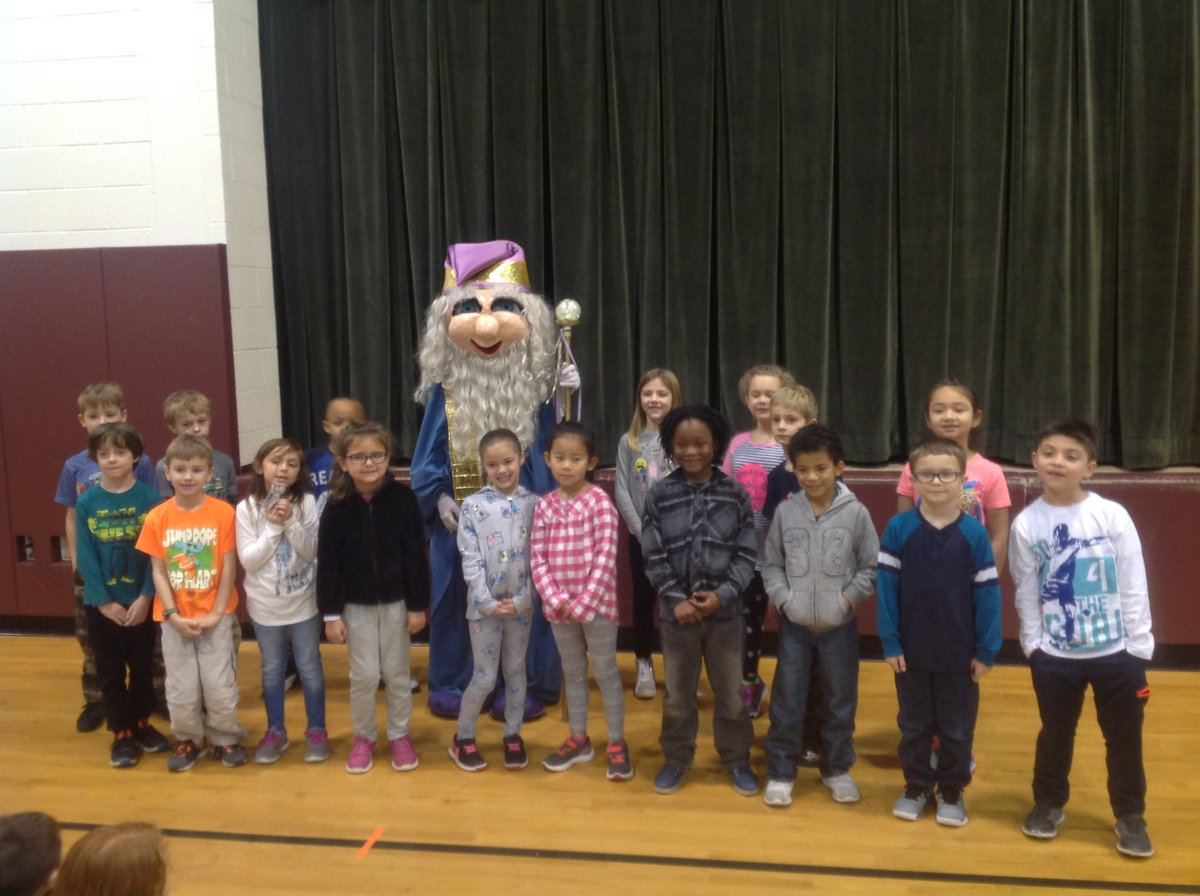 test Twitter Media - Students at Mifflin Park Elementary pose with the UGI Reading Wizard during a recent @RIFWEB book distribution event. UGI is proud to celebrate 27 years of partnering with RIF to promote early literacy throughout our service territory. https://t.co/p3oXZiYKDF
