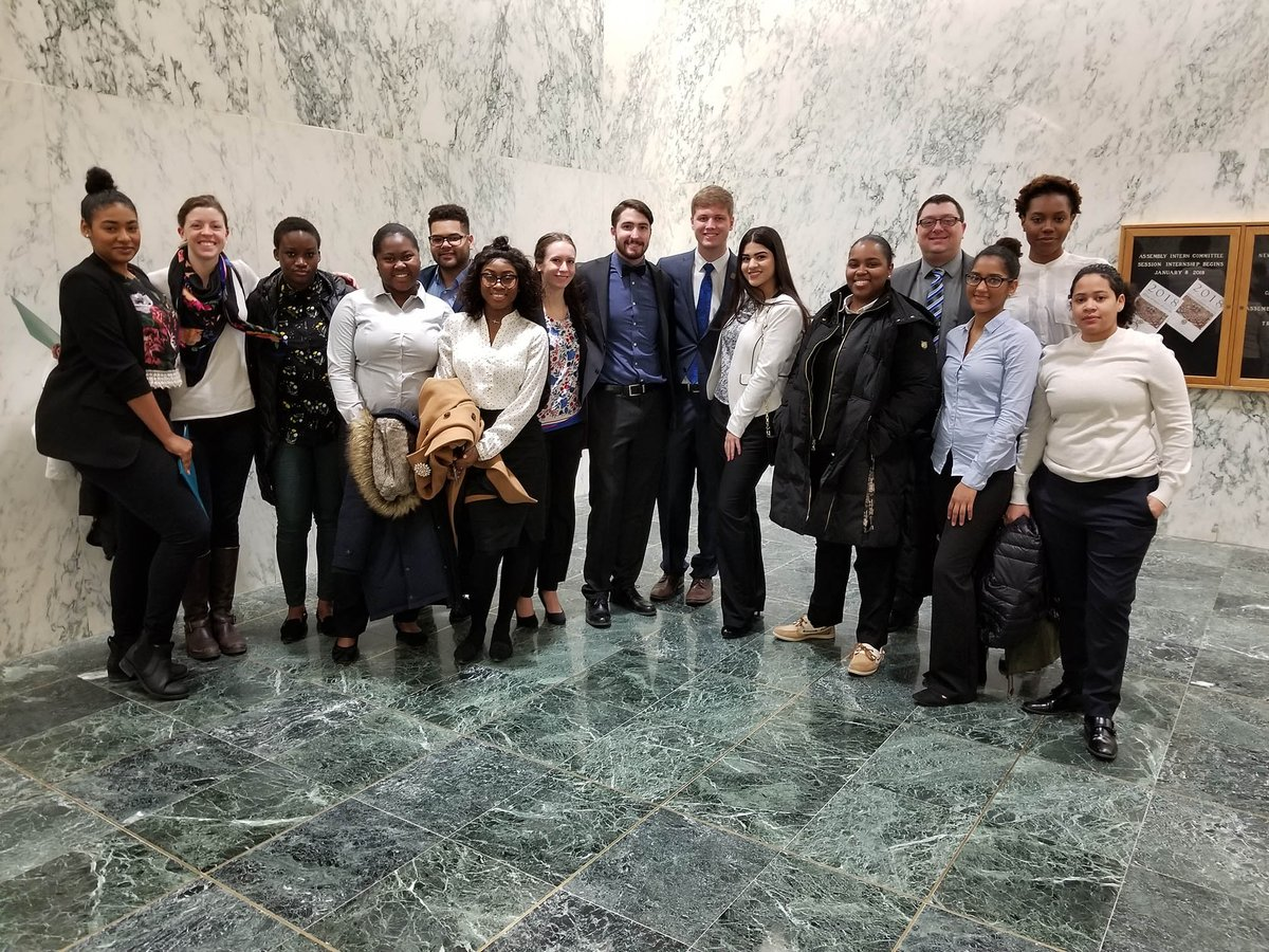 Here are #Bona students at Alliance Advocacy Day. The SBU contingent is advocating for the return of funding to Bundy Aid and HEOP. #StandUp4StudentAid <br>http://pic.twitter.com/36Xj4P9L30