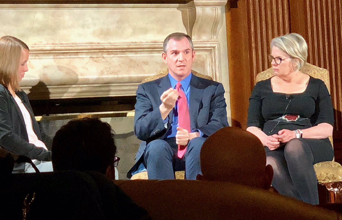 Great talk w/ @FrankBruni & @MargaretEdu about importance of public service & getting involved in state & local government. TY student-led @unciop for hosting. https://t.co/8T6kb0cjdD