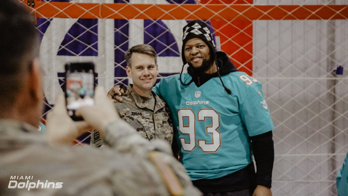 Miami dolphins on twitter autograph session and meet and greet 457 pm 13 feb 2018 m4hsunfo