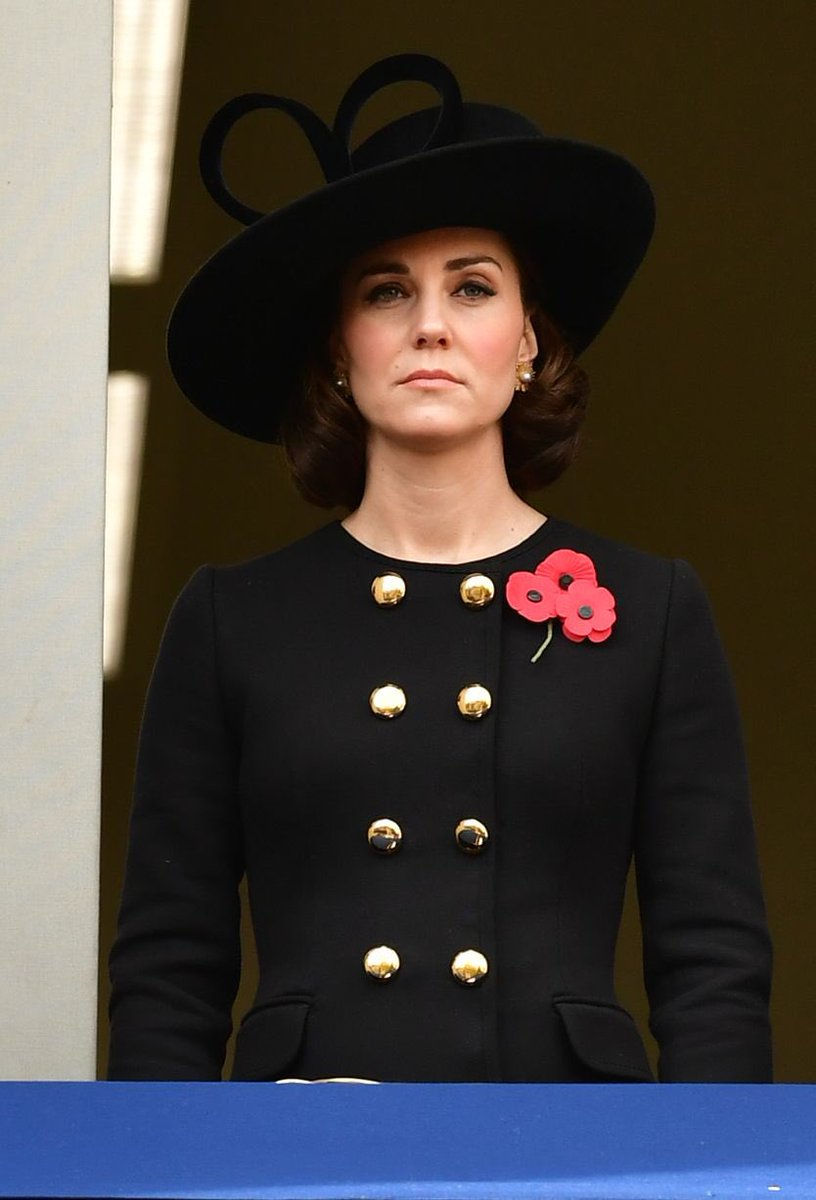 @HRHDuchesskate Reminds me of her black...