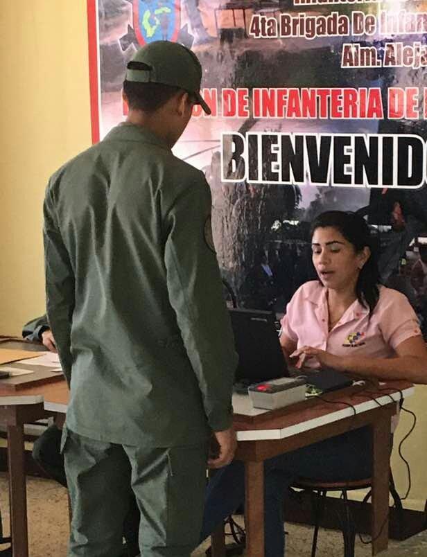 @AB_BIM42 COMBIM42 Realizo Jornada con el @CNEesVenezuela, cambio de centro de votación al personal de la unidad y @AB_BRIM4. @AB_IMB https://t.co/k6rq7cZwkV