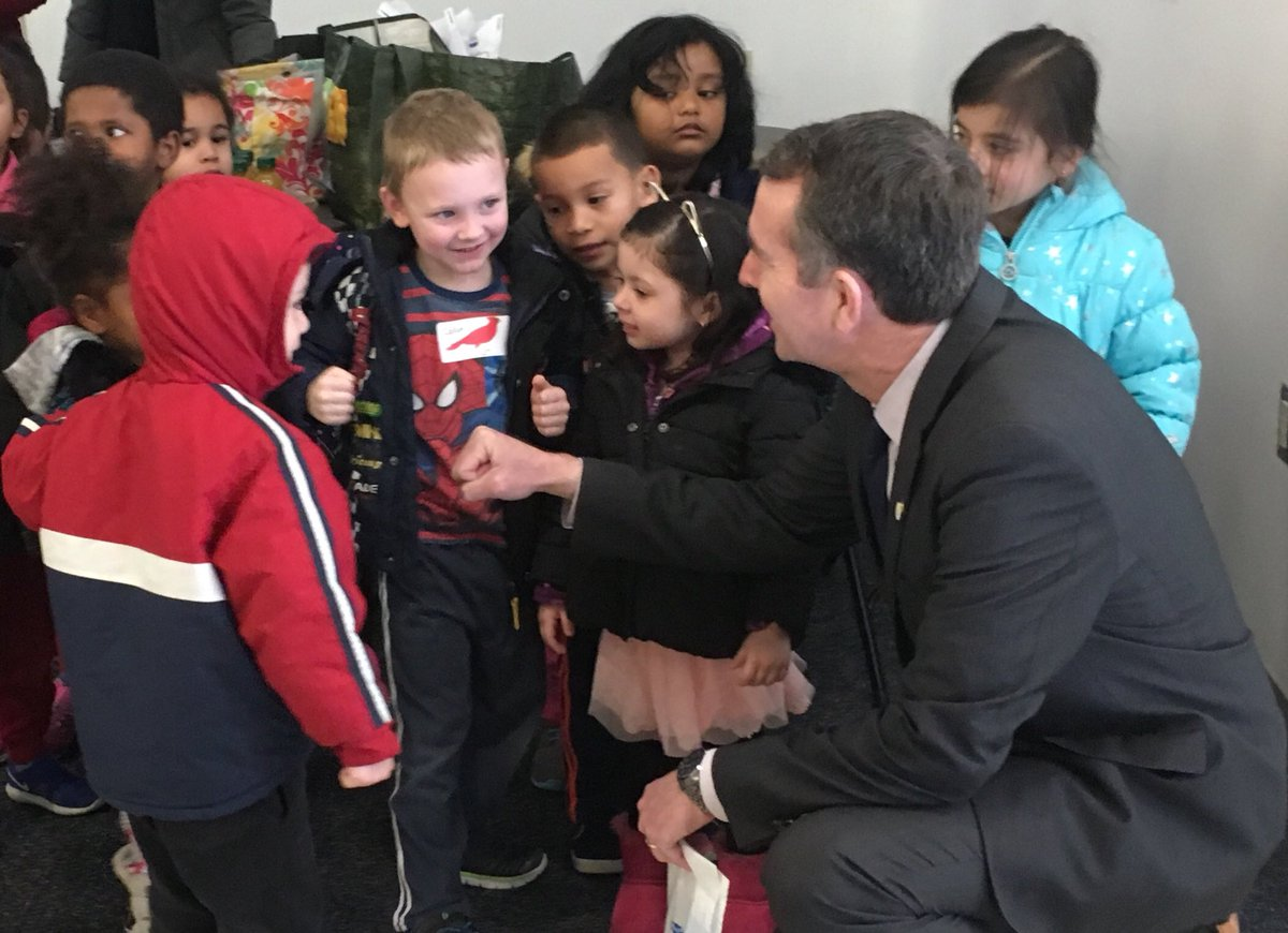 <a target='_blank' href='http://twitter.com/AbingdonGIFT'>@AbingdonGIFT</a> VPI students giving <a target='_blank' href='http://twitter.com/GovernorVA'>@GovernorVA</a> a fist bump after a teeth cleaning <a target='_blank' href='http://twitter.com/GiveKidsASmile'>@GiveKidsASmile</a>  <a target='_blank' href='http://search.twitter.com/search?q=gkas'><a target='_blank' href='https://twitter.com/hashtag/gkas?src=hash'>#gkas</a></a> <a target='_blank' href='http://search.twitter.com/search?q=AbingdonPreK'><a target='_blank' href='https://twitter.com/hashtag/AbingdonPreK?src=hash'>#AbingdonPreK</a></a> <a target='_blank' href='http://search.twitter.com/search?q=APSisAwesome'><a target='_blank' href='https://twitter.com/hashtag/APSisAwesome?src=hash'>#APSisAwesome</a></a> <a target='_blank' href='http://search.twitter.com/search?q=AbingdonES'><a target='_blank' href='https://twitter.com/hashtag/AbingdonES?src=hash'>#AbingdonES</a></a> <a target='_blank' href='http://search.twitter.com/search?q=nvds'><a target='_blank' href='https://twitter.com/hashtag/nvds?src=hash'>#nvds</a></a> <a target='_blank' href='https://t.co/FvjsEGzLER'>https://t.co/FvjsEGzLER</a>