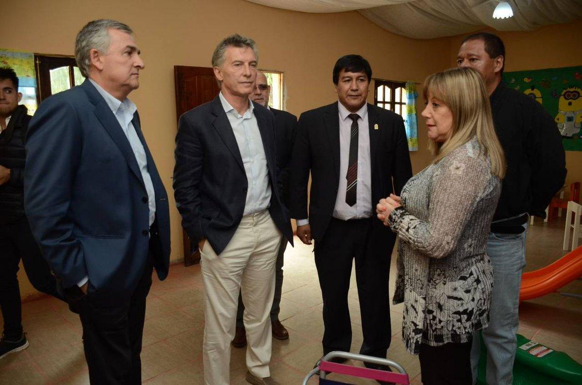 """Resultado de imagen para Macri visitó hoy, en la ciudad jujeña de Humahuaca, el Centro de Desarrollo Infantil """"Patitas Tiernas"""""""