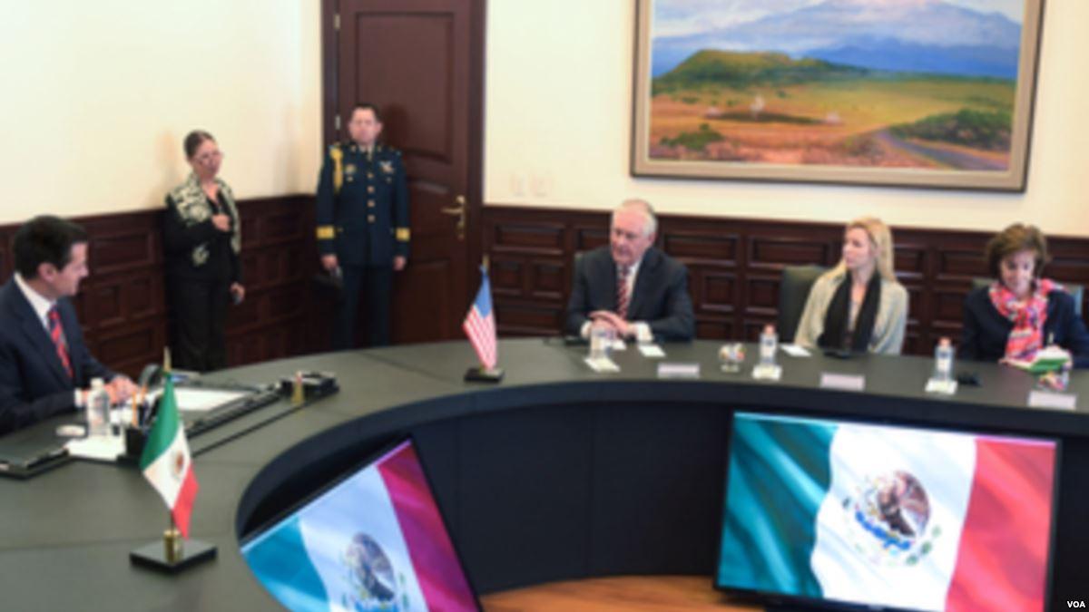 Secretario de Estado Tillerson se reúne...