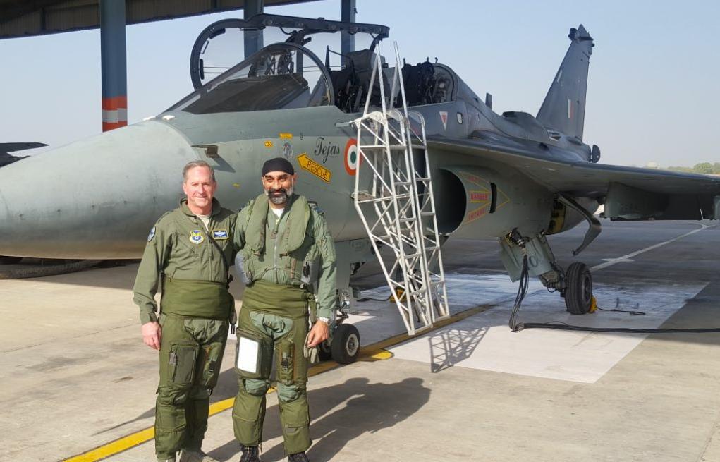 અમેરિકી વાયુસેનાના ચીફે જોધપુરમાં ઉડાવ્યું ભારતનું સ્વદેશી 'તેજસ' વિમાન