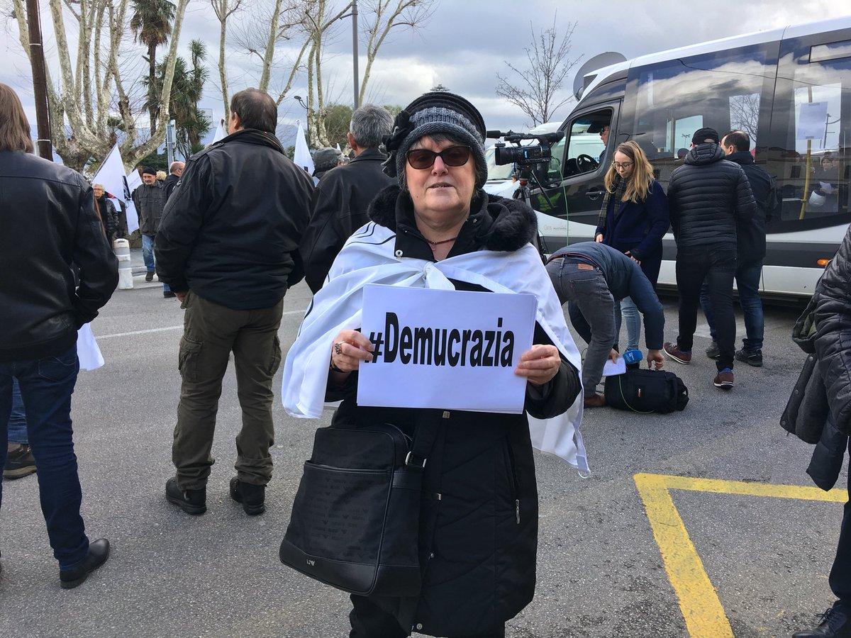 Manifestation à l'appel des nationalistes pour pousser l'Etat à négocier — Corse