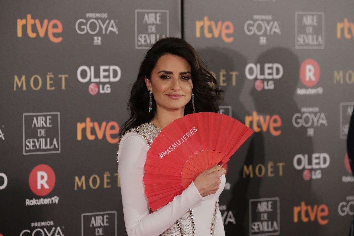 Penélope Cruz, nominada al Goya a Mejor Actriz Protagonista por Loving Pablo, también se suma a la reivindicación #MásMujeres en contra de la desigualdad de género https://t.co/O6ibjireoi