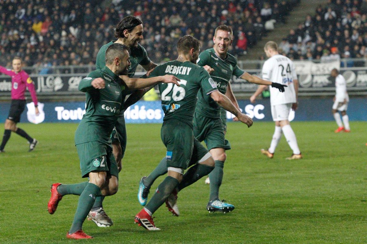 Лига 1. Пойет снова побеждает с Бордо, Дебюши забивает за Сент-Этьен в дебютном матче - изображение 2