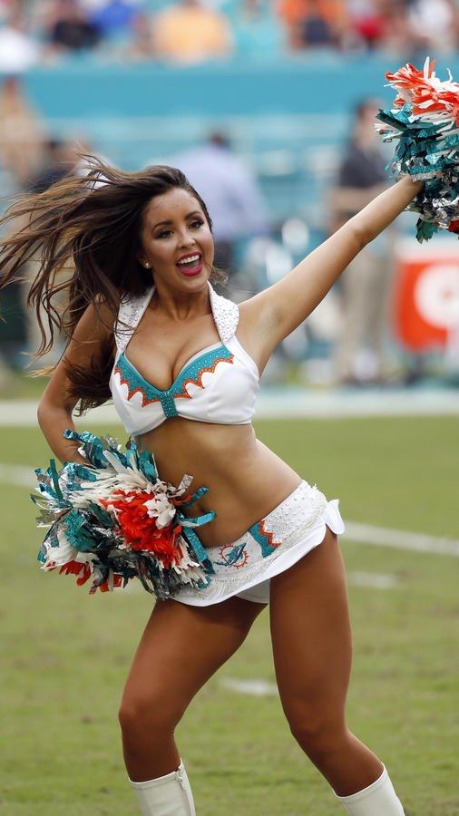 topless-cheerleaders-in-the-nfl