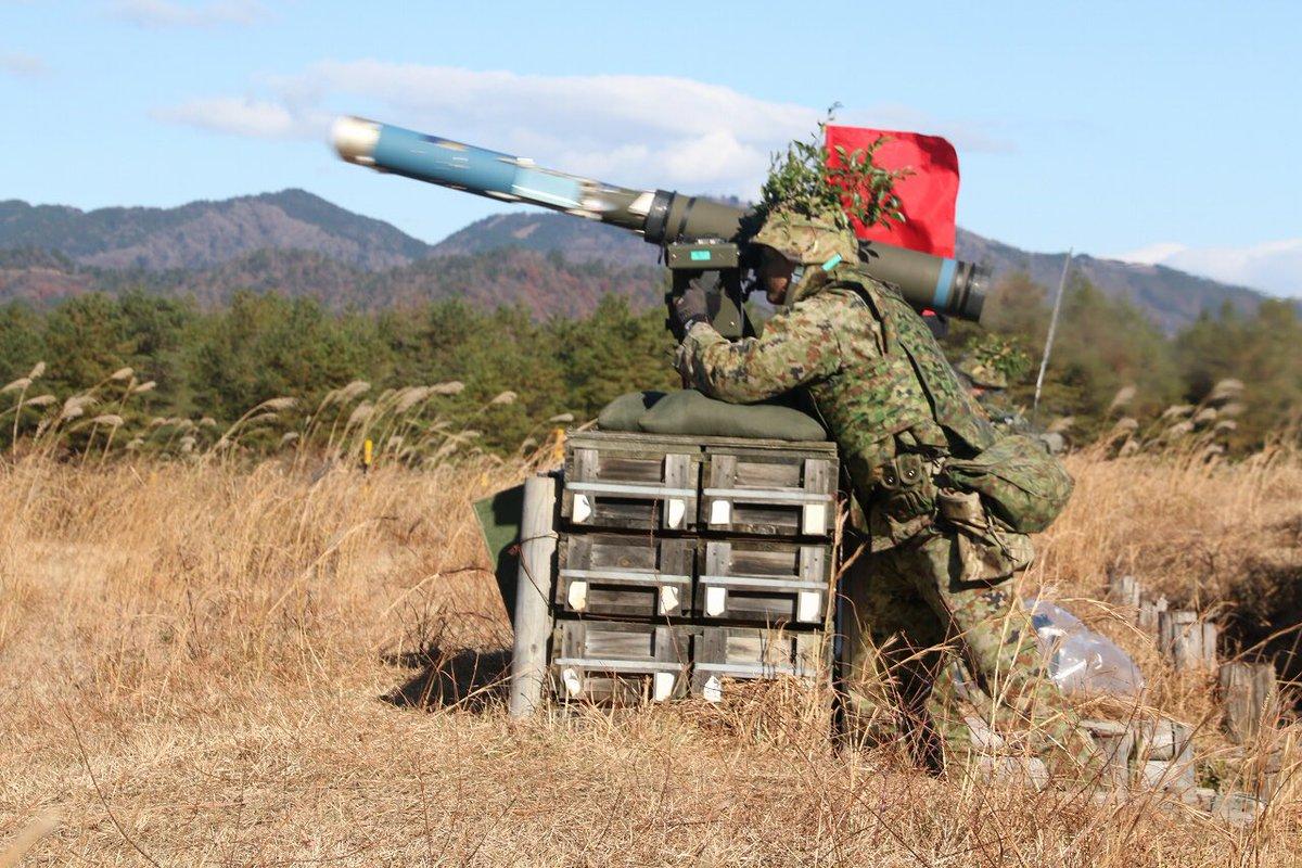 """自衛隊 on Twitter: """"01式軽対戦車誘導弾の発射の瞬間… """""""