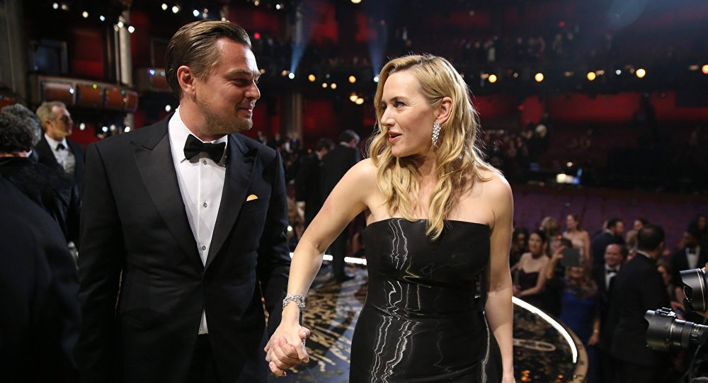 .@TitanicMovie stars Kate Winslet & @LeoDiCaprio save cancer-stricken woman https://t.co/kbnwXBceXp