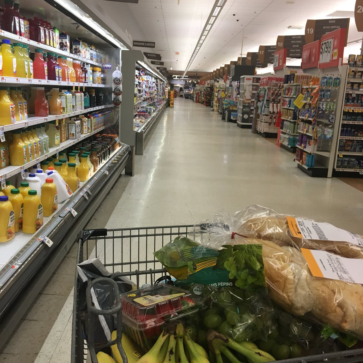 big family life hack: grocery shopping during the super bowl. nobody here. #go