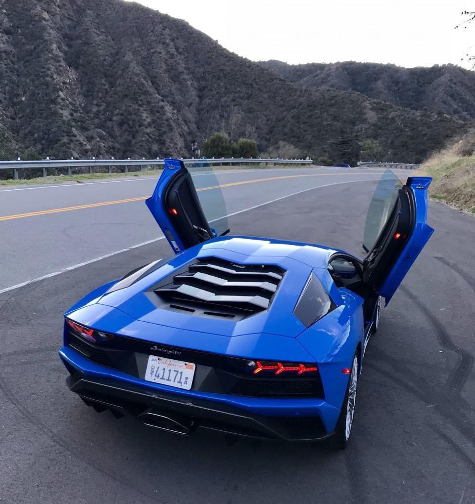 Lamborghini (@Lamborghini)