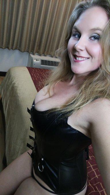 Gitta blond anal gangbang