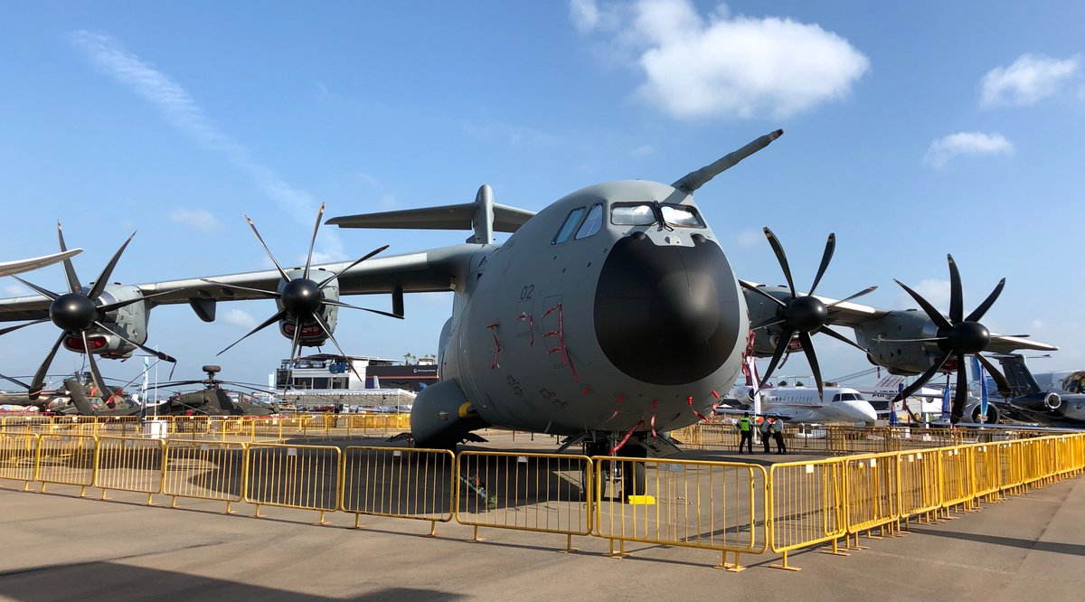 Tomorrow starts the #SGAirshow! The #A400M is ready for the show 👍   #BehindTheScenes http://www.airbus.com/singapore-airshow-2018.html…