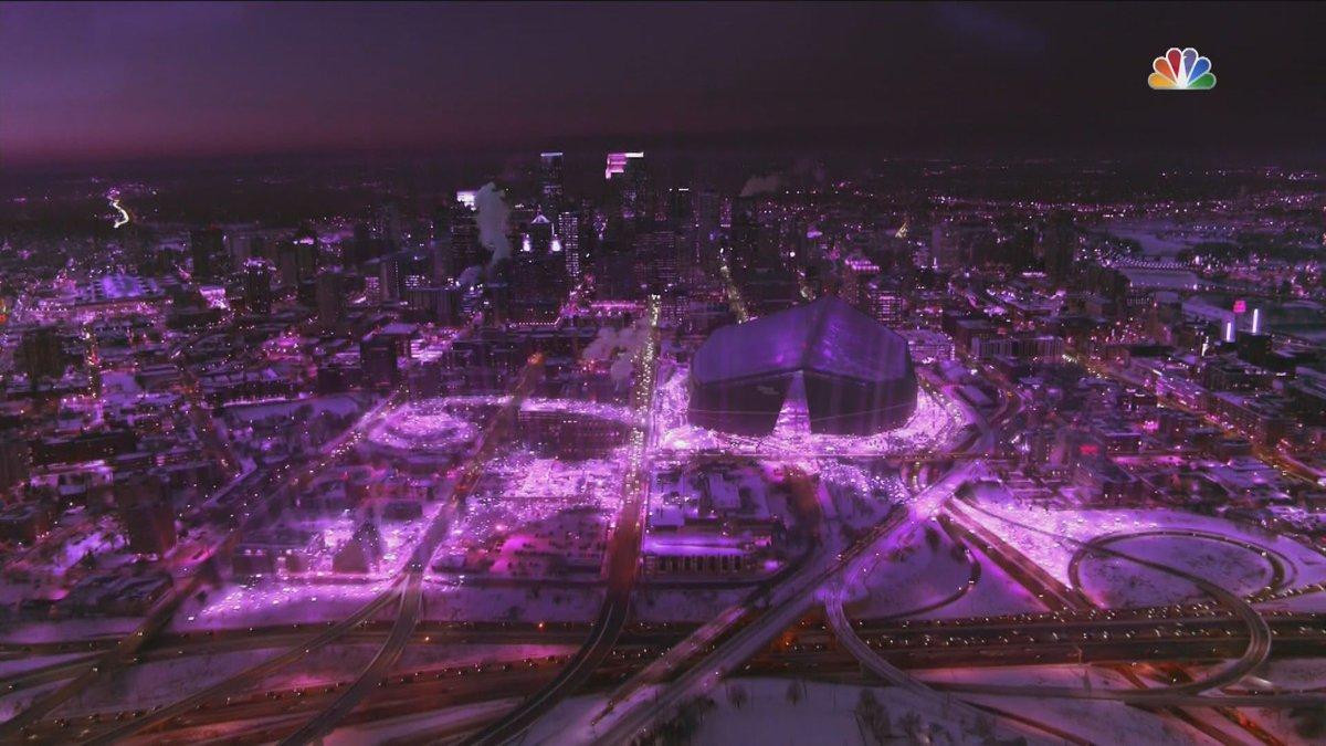 WOOOOOWWWW!! #HalftimeShow #SB52 #Prince #Minneapolis #chills