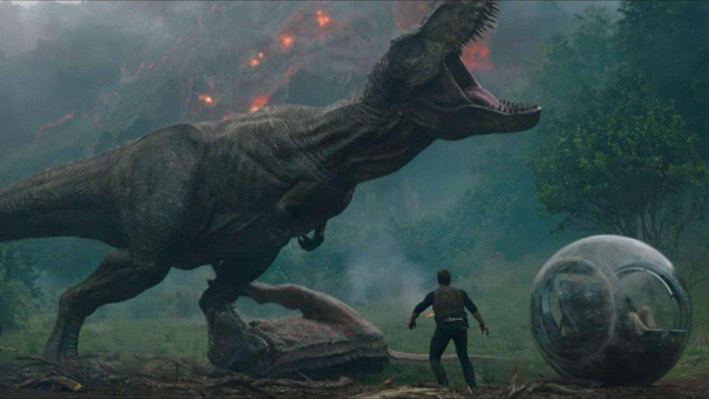 Jurassic World: #FallenKingdom gets a new trailer, take a look https://t.co/c2fV0QyKMG