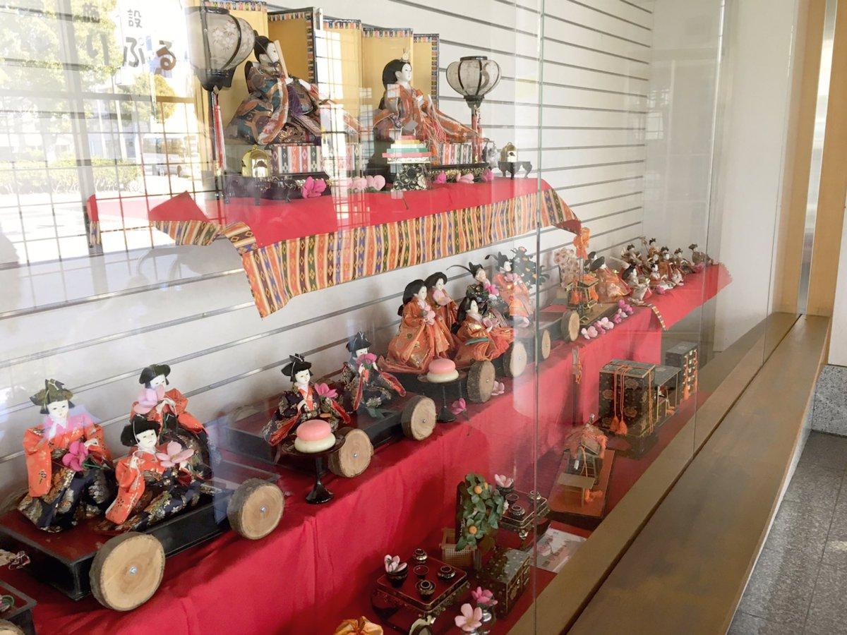 本日は、北茨城市で行われるお雛様のイベント「ひなあかり」の飾り付けをお手伝いにいきました!(「 ・ω・)「  こちらの列車に乗ったお雛様は磯原駅前の待合広場で見られます!