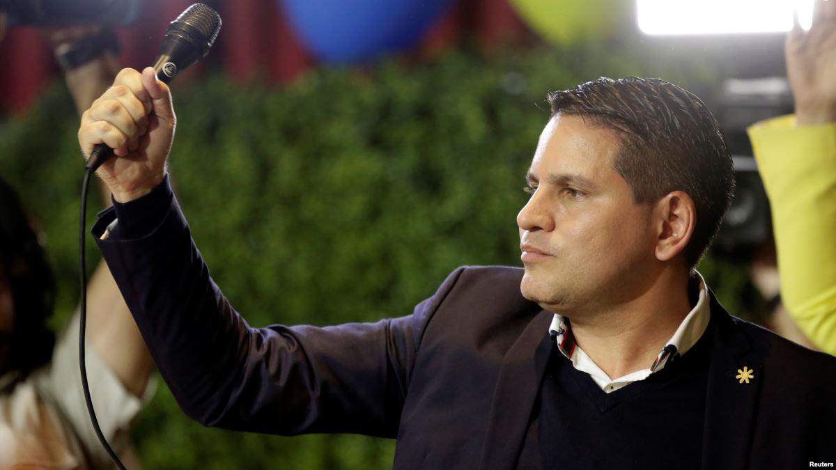Divididas elecciones en Costa Rica apunt...