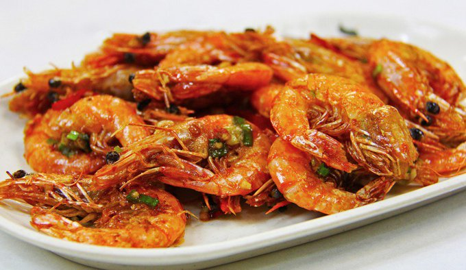 Salt and Pepper Prawns Recipe (With Video)