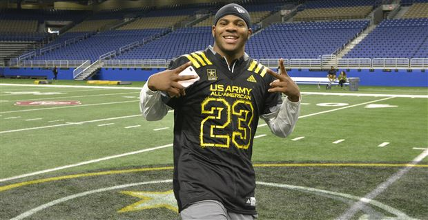 Five-star defensive end prospect Micah Parsons (left) poses for a photo  with former Ohio State running back Eddie George (right) at the set of  College ...