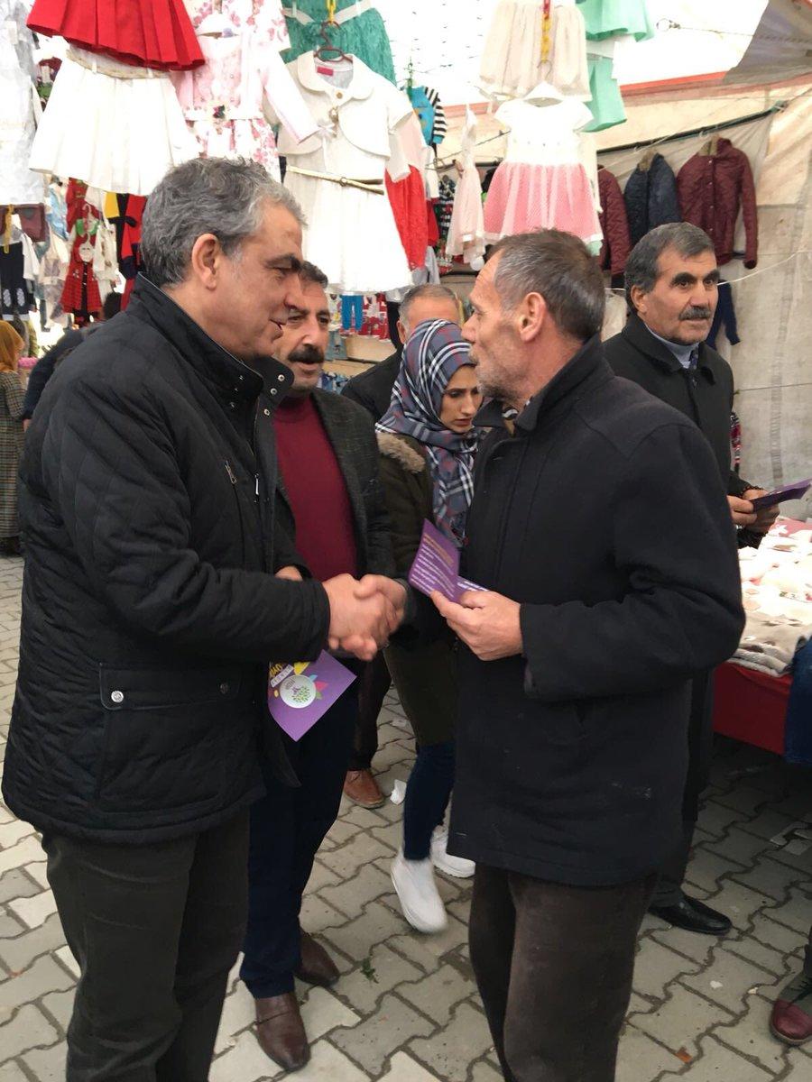 İstanbul Esenyurt halk pazarında halkımı...