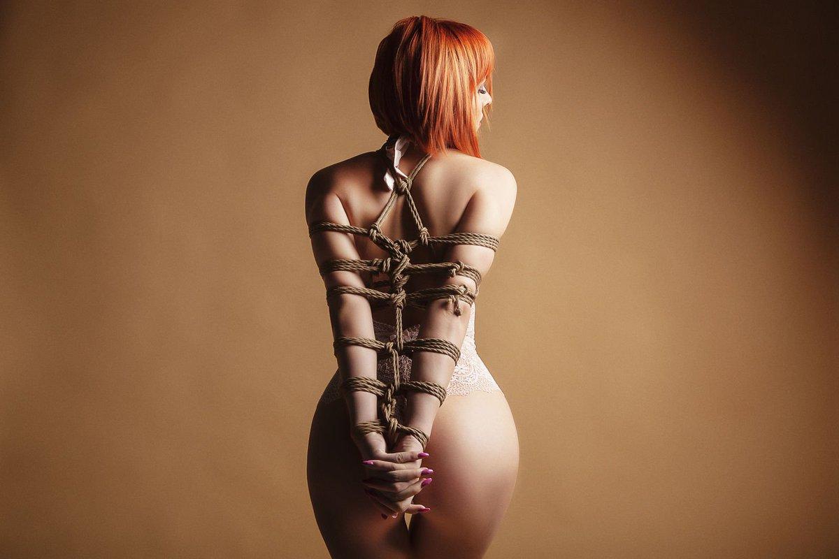 I'm a prisoner inside of your dreams......