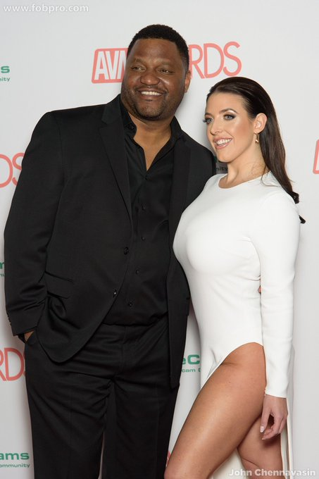 On the red carpet with @AriesSpears before co-hosting the 2018 @avnawards show   Photo by @jchennav https://t