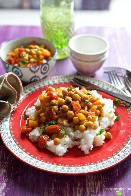 Video: Vegan Thai Chickpea Curry