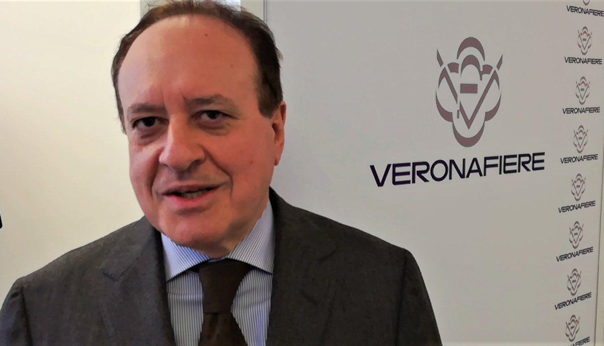 """GIOVANNI MANTOVANI (DG VERONAFIERE): """"CON LA RUSSIA C'E' UN RAPPORTO VERAMENTE STRETTO"""" https://t.co/CTjzZrjeMR @pressVRfiere @fieragricola @EurocarneVerona #Veneto #Verona #Fieragricola2018 #Eurocarne #agricoltura #Tecnologia https://t.co/DWVpdf8Gm7"""