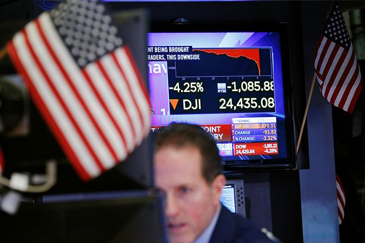 米株暴落、なぜここまで深刻な下げになったかわからない 金曜の急落は説明がついたが、月曜午後の半狂乱は意味不明だ https://t.co/ZwttBiPjTd #NY株式市場 #株価暴落 #FRB #利上げ