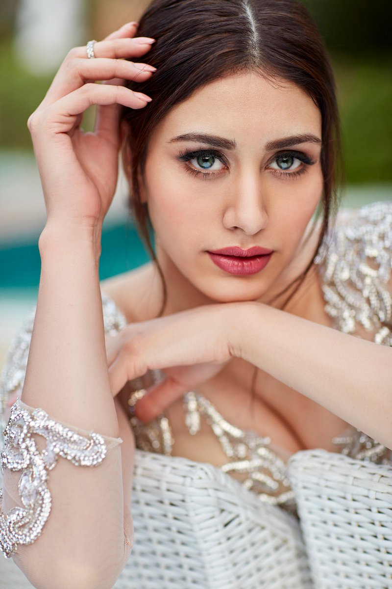 warina husaain, warina husain, loveratri, actress, bollywood, hot, hd, pics, photos, pictures, wallpaper
