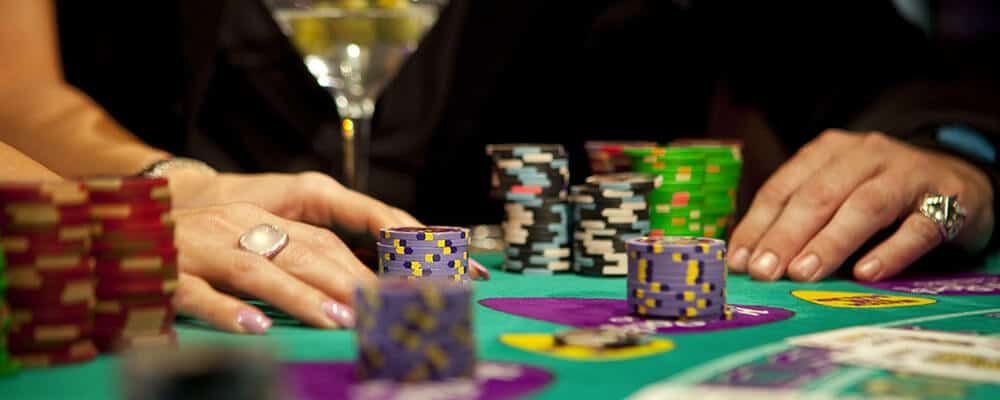 the popularity of poker Poker has become so popular in fact, that it has begun to rival the older games such as chess and monopoly however, the question must be asked, why it is that in fact, there are as many reasons for playing poker as there are poker players the reasons for the popularity of poker, however, can be.