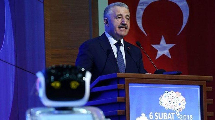 Roboter unterbricht türkischen Minister und wird zum Schweigen gebracht | NZZ