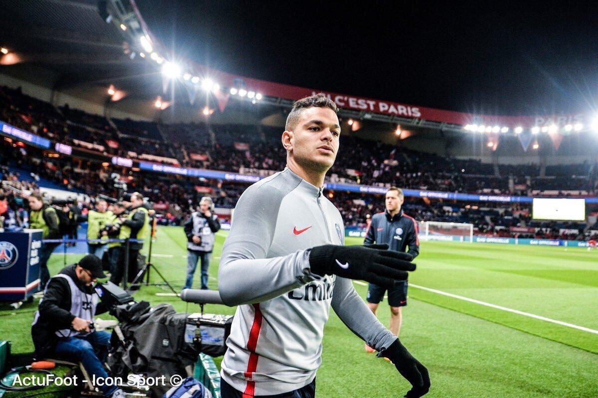 Il n'a pas joué une seule minute cette saison et pourtant, Hatem Ben Arfa est le 13e joueur le mieux payé de Ligue 1 avec un salaire mensuel de 500 000€. (@lequipe)