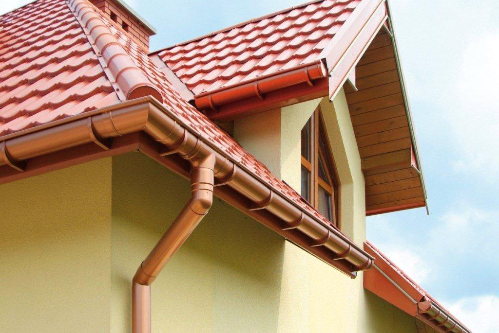 Водосточная система крыши дома