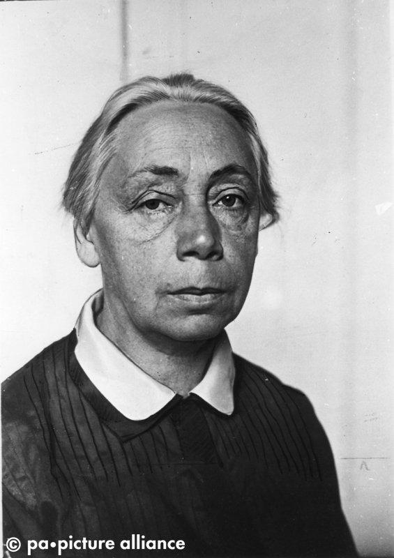 #OnThisDay 1933: Auf Druck der NSDAP müssen Käthe Kollwitz und Heinrich Mann die Berliner Akademie der Künste verlassen.