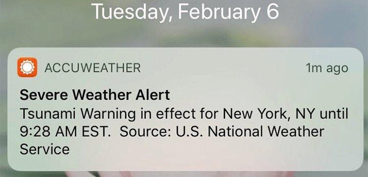 又来了:今天早上,美国东岸的群众(据不知道哪儿的媒体说数百万人),收到了来自国家气象服务的海啸警报!最后发现其实是每月的定期测试信息,但是不知道为什么发成了真警报 https://t.co/X1nmOllBMu 1