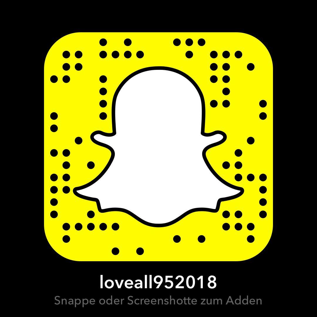 Accounts snapchat nackt Snapchat Nudes: