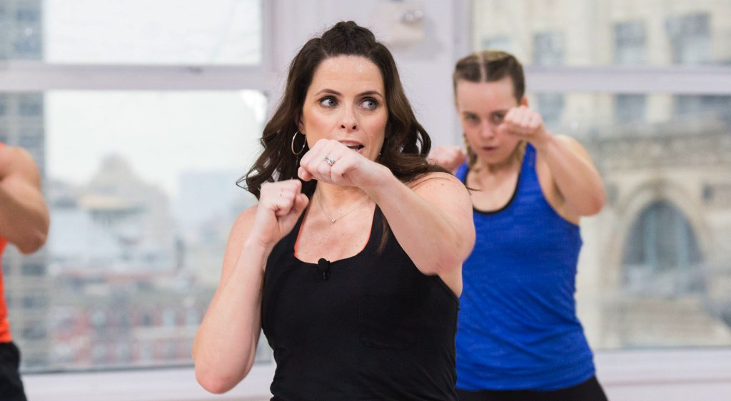 important of breathing during cardio kickboxing Tips for cardio kick boxing weight loss 3) make sure you breathe properly during training exhale when you throw your punch or kick, and inhale when you retract your arm or leg incorporate some cardio kickboxing into your day if you are bored with your regular gym routine or exercise.
