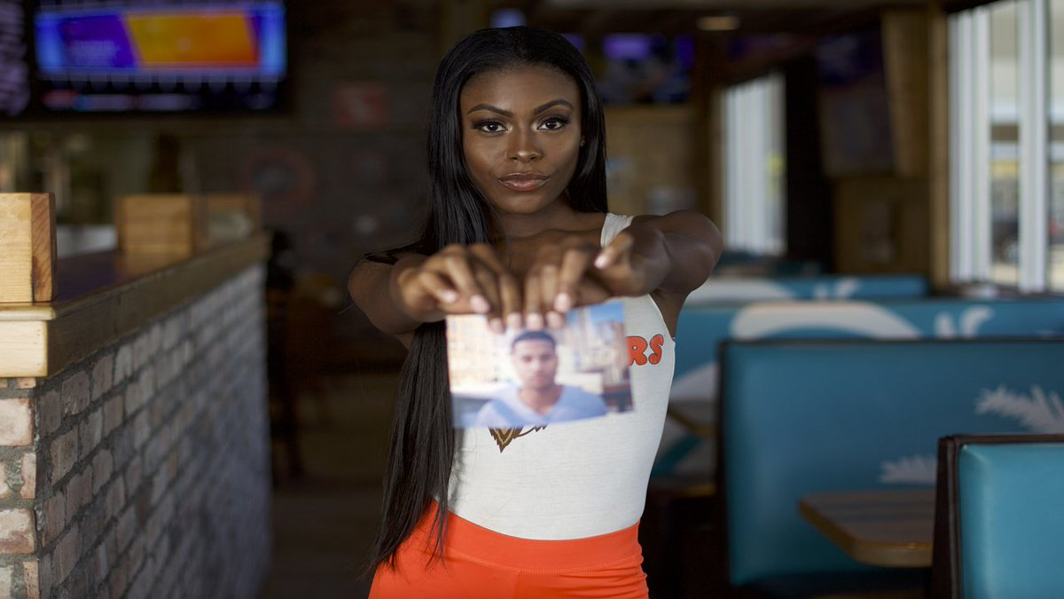 Bring photo of your ex to shred at @Hooters on Valentine's Day and get 10 free boneless wings https://t.co/n4V0mLbty6