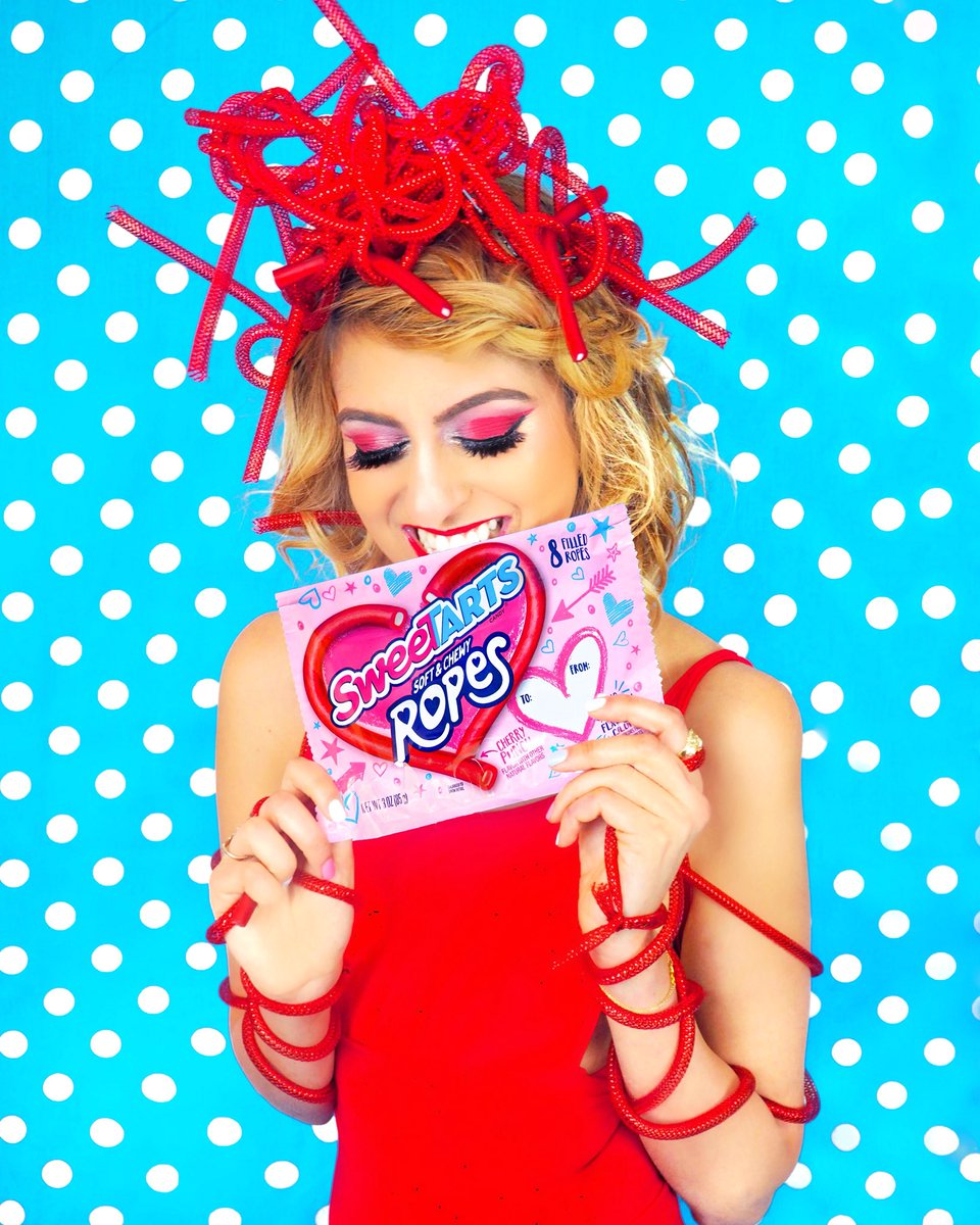 When you turn candy into art... or in this case outfit pieces 😛❤️🤔. My second post with @SweeTARTSCandy inspired by their Soft & Chewy Ropes for my Valentine's Day series up now! Click here to see it all —> https://t.co/CFZ6Y8dJVO #ad https://t.co/D1PqStQJvt