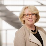 """Former Swedish Minister for the Environment, Lena Ek, is the new chair of the #MistraGeopolitics research programme. """"Mistra Geopolitics is designed to handle cross-border challenges affecting us globally and politically"""", says Lena Ek: https://t.co/E5b5nncIMA"""