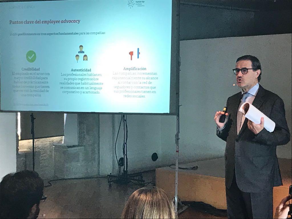 """.@jallorente en la masterclass sobre #Talento en @HumanAgeInsES : """"Credibilidad, autenticidad y amplificación son las claves del #EmployeeAdvocacy"""" https://t.co/VAPfzGH4i3"""
