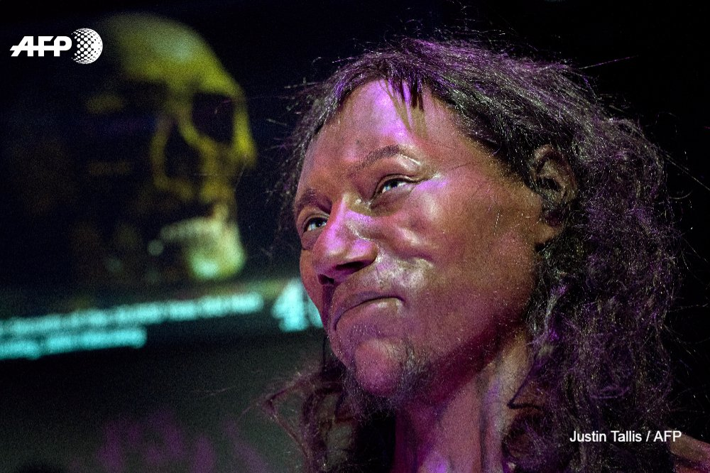DNA tests show 'Cheddar Man', the first modern Briton, had dark skin and blue eyes https://t.co/lf3fsF7XmZ