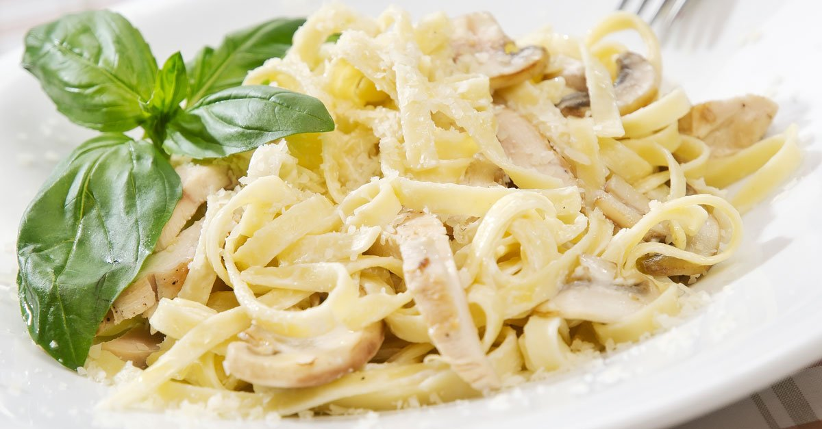 Happy National Fettuccine Alfredo Day! R...