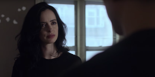 All hail @Krystenritter in the 'Jessica Jones' season 2 trailer �� https://t.co/u4m5iglHhw https://t.co/4CCvaTZ1Zt