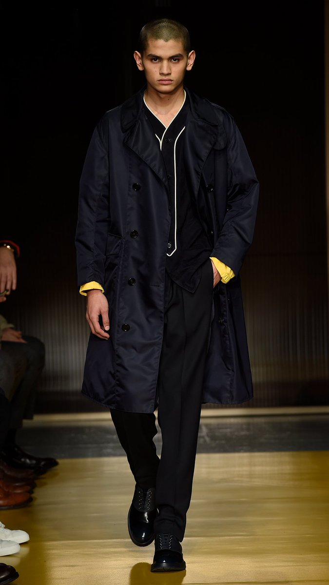 The looks are in  tailoring fused with sportswear in the new BOSS Menswear  Fall Winter 2018 runway collection. See the full show   http   bit.ly  mwfw18 ... efee916bd5